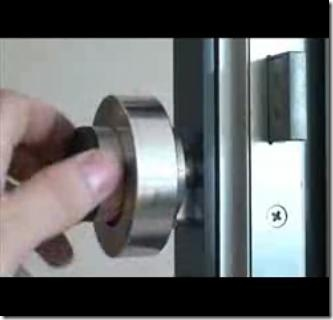 Simple Magnetic Ring Easily Bypasses Electronic Door Locks