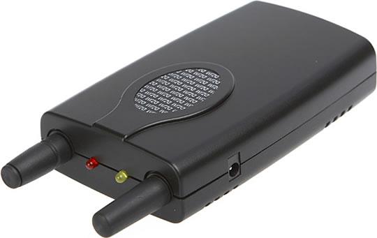 Handheld universal cell phone jammer